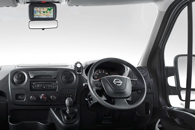 Nissan NV400 L3 35 FWD 2.3 dCi FWD 135PS Tekna Crew Van Medium Roof Manual inside view